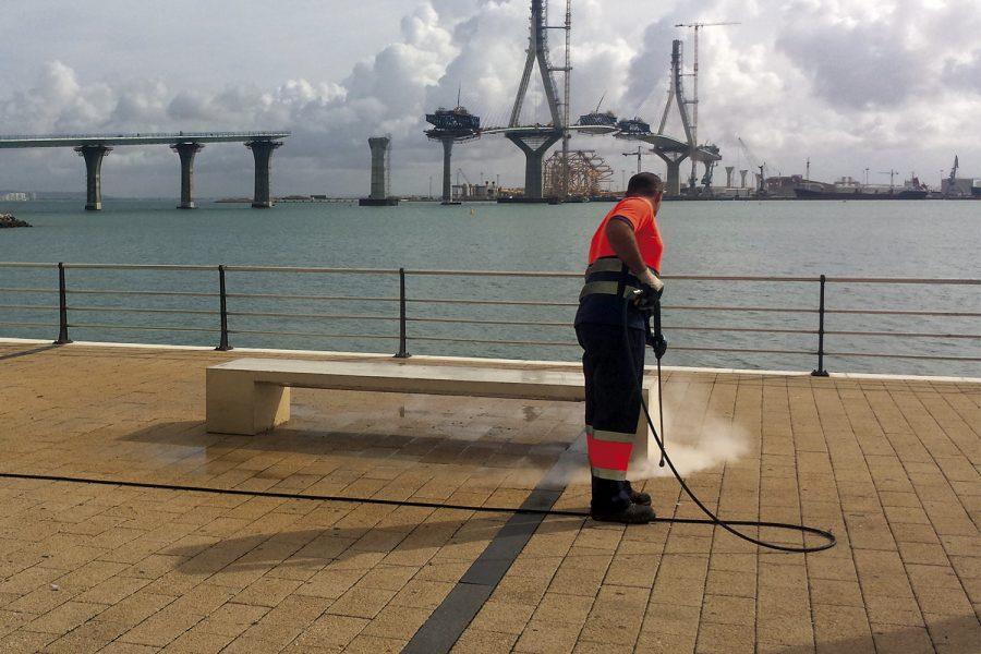 limpieza aceras agua a presión Cádiz
