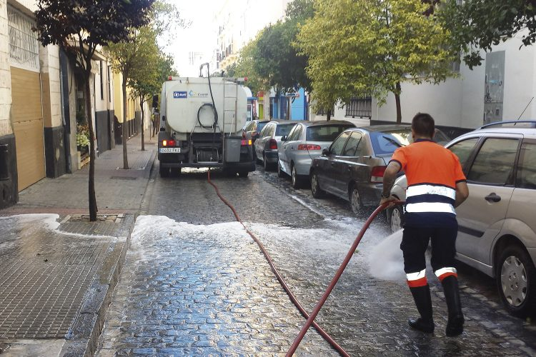 limpieza calles con agua Cádiz