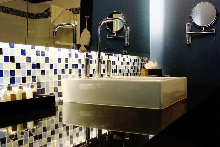 hotel cuarto de baño