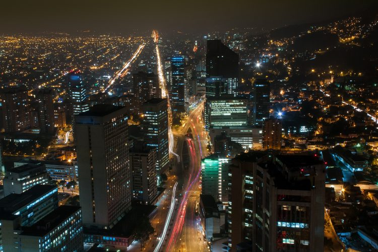 Vista nocturna de la ciudad de Bogotá